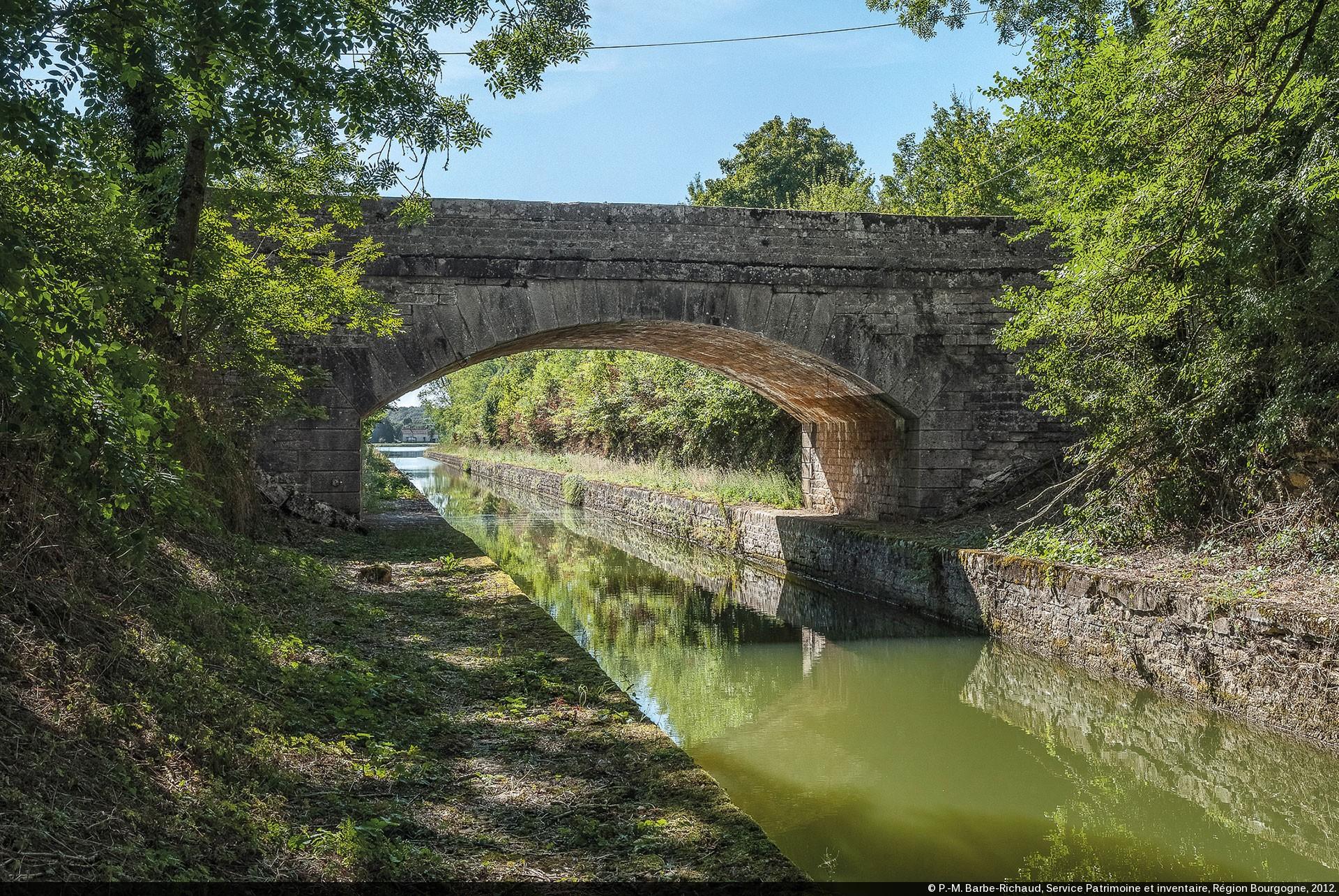 Pont Sur La Tranche De Crancey Bief Partage