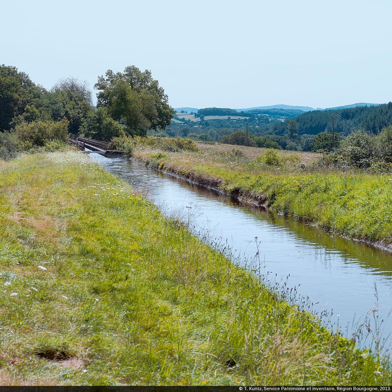 Canaux de bourgogne les prises d eau et rigoles d for Rigole d evacuation d eau